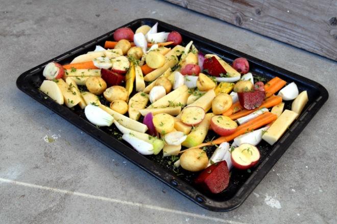 Grønnsaker klare til å bakes i ovnen. Foto: Lise von Krogh