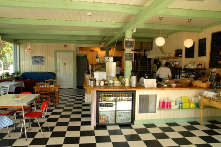 Koselig, nyåpnet kafé på Eidsvoll. Foto: Lise von Krogh