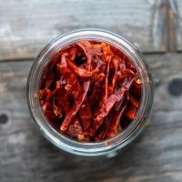 Pirrende, deilig gratinert blomkål med bacon og chili