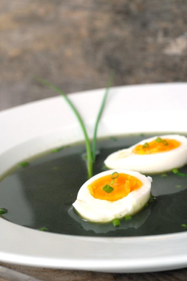 Egg metter i denne suppen. Foto: Lise von Krogh.