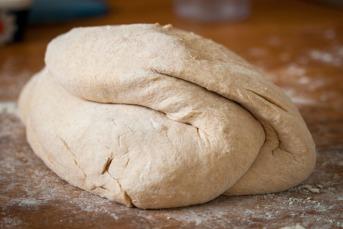 To kilo deig til piknikbrød. Foto: Lise von Krogh.