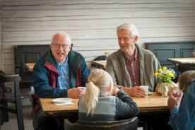 God stemning på kaféen Kjøkkenhagen. Foto: Lise von Krogh.