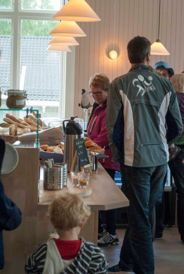 Folksomt i Kjøkkenhagen. Foto: Lise von Krogh.