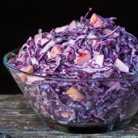 Vakker og deilig festmat - Rødkålsalat
